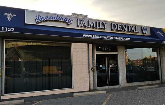 Office of Broadway Family Dental Brookyn, NY